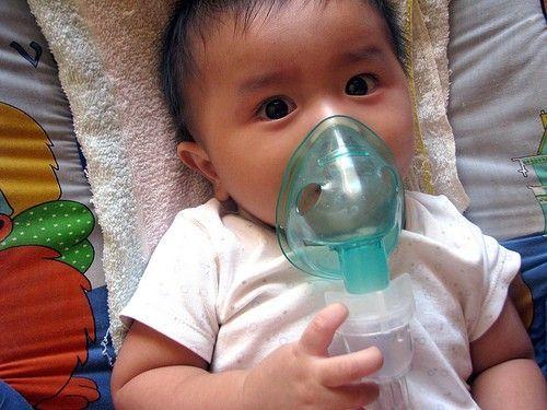 xông mũi họng cho trẻ